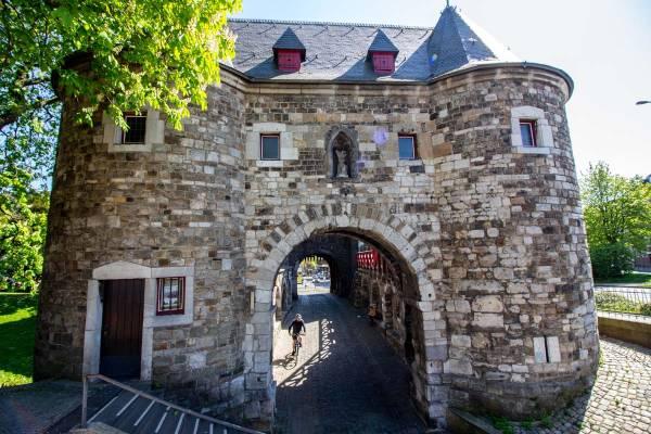 Radtour-Aachen-Ponttor-Startbild