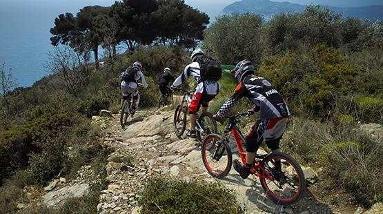header-mountainbiker-golfo-dianese